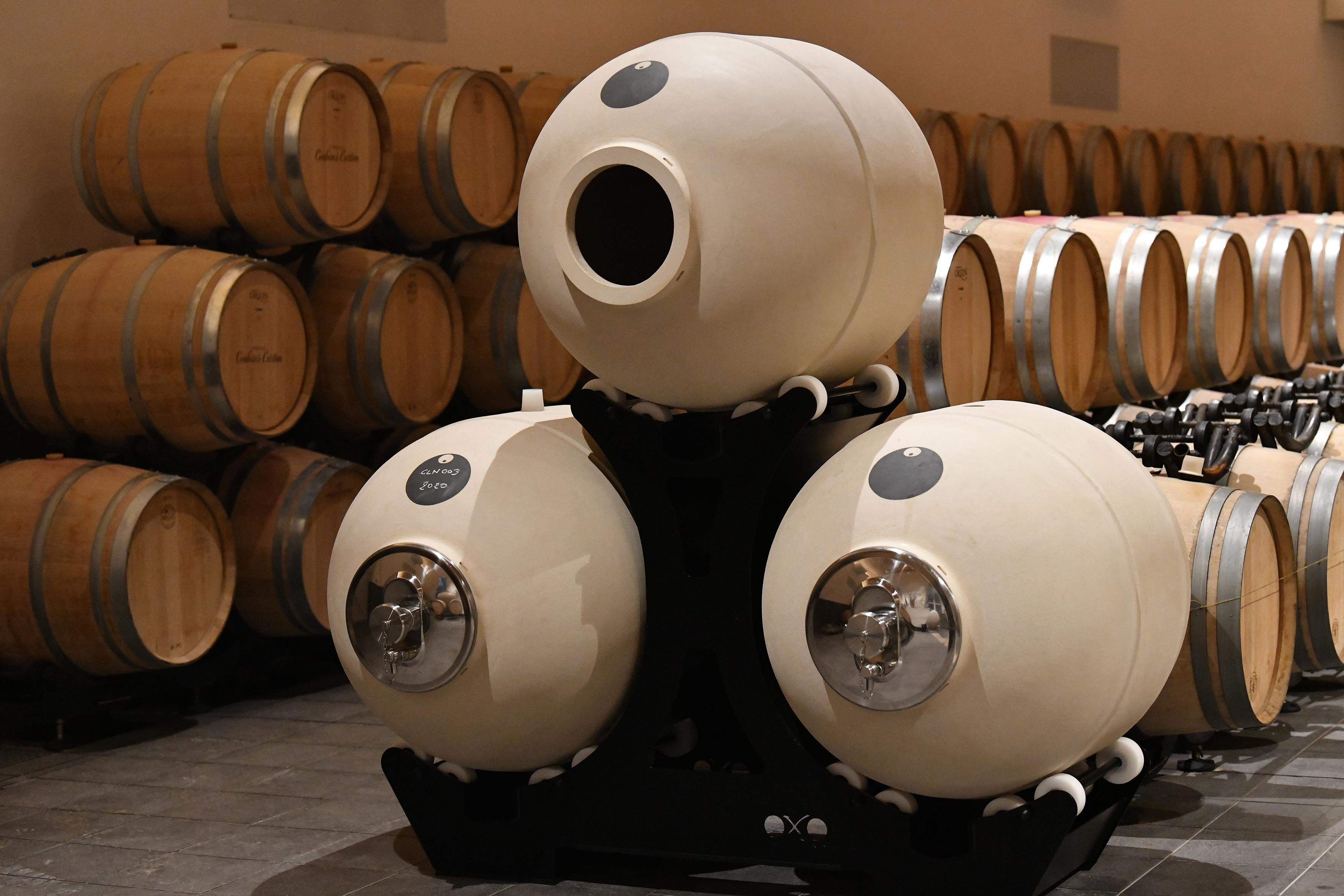 Clayvers pour le vin blanc (Chais Château Couchins-Lurton)